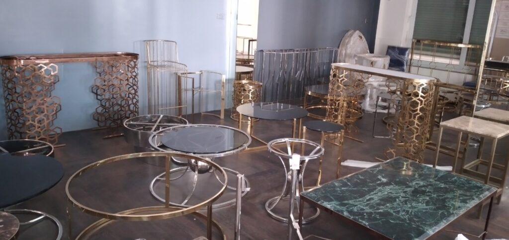 xưởng inox mạ vàng nhà phong cách